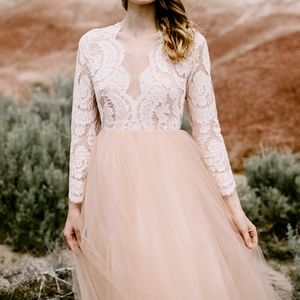 Elizabeth Dye Paloma Wedding Dress / Gown